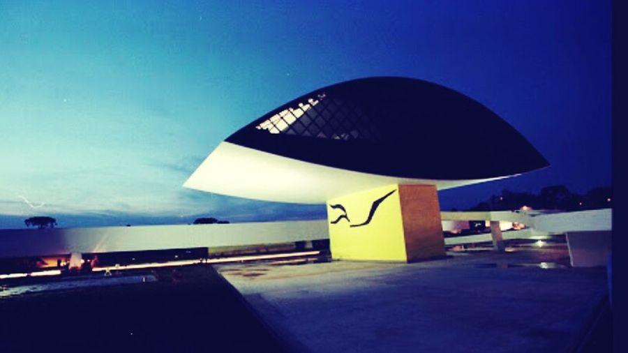 Museu Oscar Niemeyer, *foto: Midiaindependente.org Museum Oscar Niemeyer Curitiba, Brazil Curitibacidademodelo Curitibanice Ilovecuritiba MyCountryInAPhoto Welcometomycountry