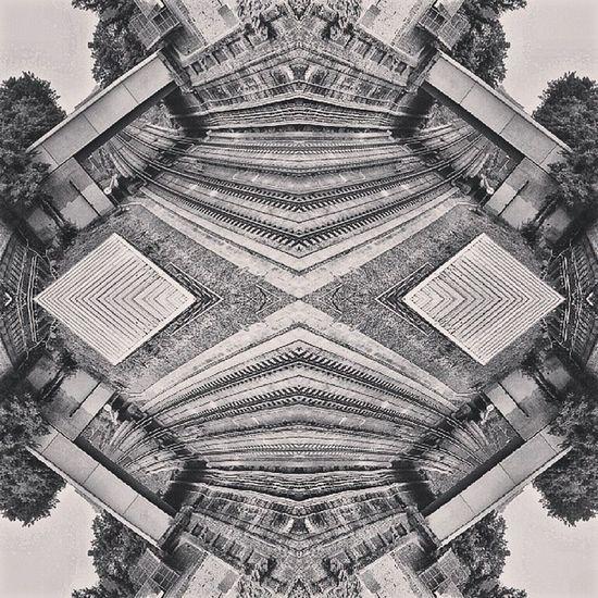 Symmetry Symmetryporn Symmetrybuff Mirrorgram railway Londonunderground londonoverground