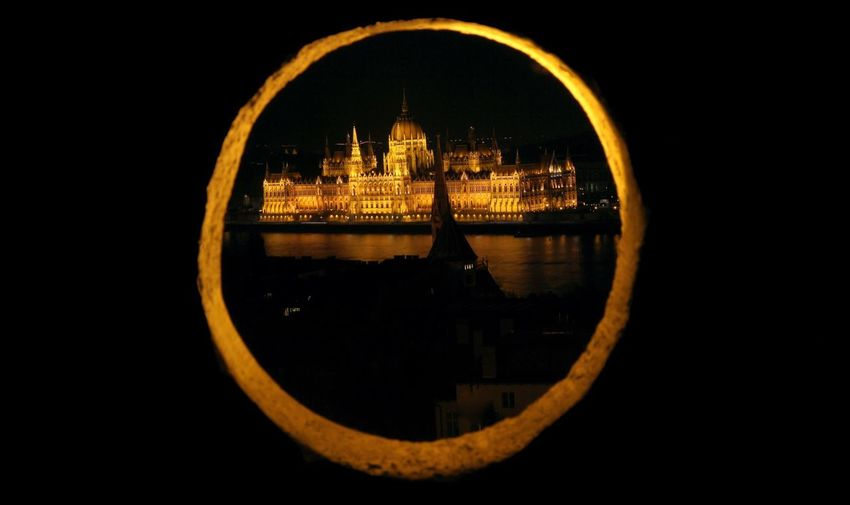 Parlamento Budapest Architecture Water City Built Structure Building Exterior No People Geometric Shape Circle Shape Nature River Reflection Travel Destinations Sky Building Night Outdoors Illuminated Government