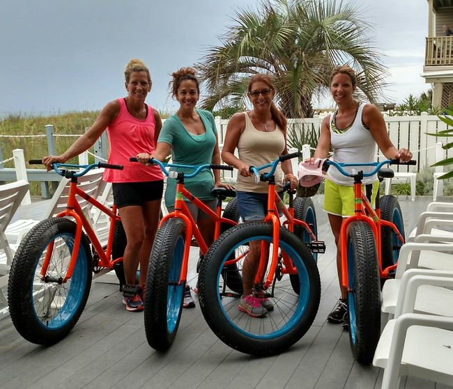 Bicycle Friendship Full Length Transportation Travel Cycling Outdoors Young Women People Cheerful Togetherness Smiling Day Leisure Activity Portrait Adults Only Fat Bike Family Fun Myrtle Beach SC Exercise For The Day... Exercise Bike Exercise On Beach Let's Go. Together. Riding Getting Away From It All Tourism Tourist Attraction  Tank Top