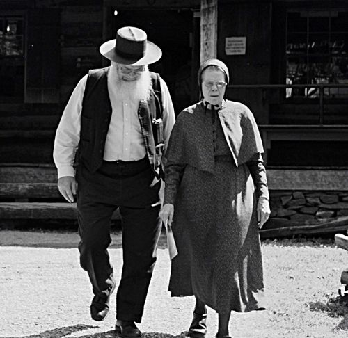 Untold Stories Mournes Old People Peoplefromtheworld Cute Couple Fashion&love&beauty Classy Traditional North Carolina USA Up Close Street Photography Telling Stories Differently