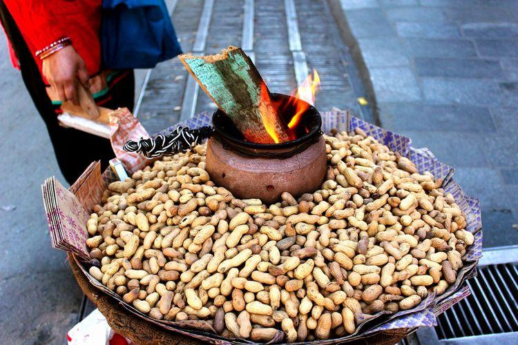 Street Snacks Street Outdoors Market Flames & Fire Peanuts In The Shell RoastedPeanuts