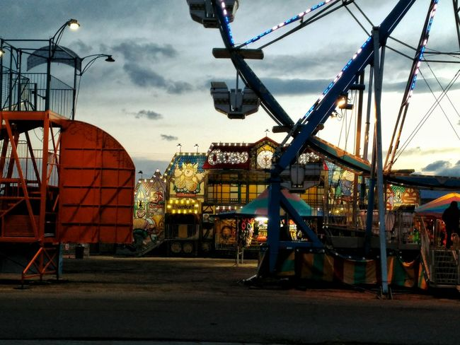 Ferris Wheel Carnival Traveling Carnival Rides Ride Stuff Circus Dusk Dusk In The City Cellphy Cellphone Photography