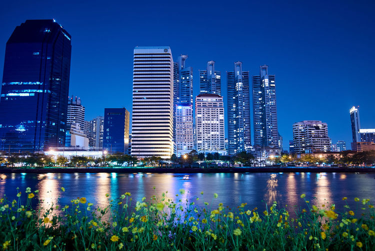 Park Water Building Exterior Architecture Built Structure City Building Office Building Exterior Skyscraper Sky Cityscape Urban Skyline Reflection Landscape Illuminated Modern Downtown District Office Nature Residential District Tall - High Financial District  No People Outdoors Bay Night Long Exposure