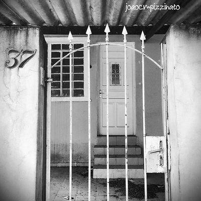 Casasecasarios Building_shotz Door_filth Doorknobitry Ic_doors Portasejanelas Portaseportoes Kings_doorsandco Rsa_doorsandwindows Icu_doorsandwindows Ir_doorsandwindows Ir_door_rust Streetphotography Urban Streetphoto_brasil Colors City Zonasul Saopaulo Brasil Photograph Photography Sundoors