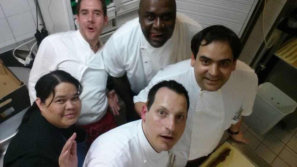 We Are Family life at work & fun Hi! Kitchen Chefs Chefsoninstagram Truecooks Cooking Tapasbar Beautiful Day Taking Photos