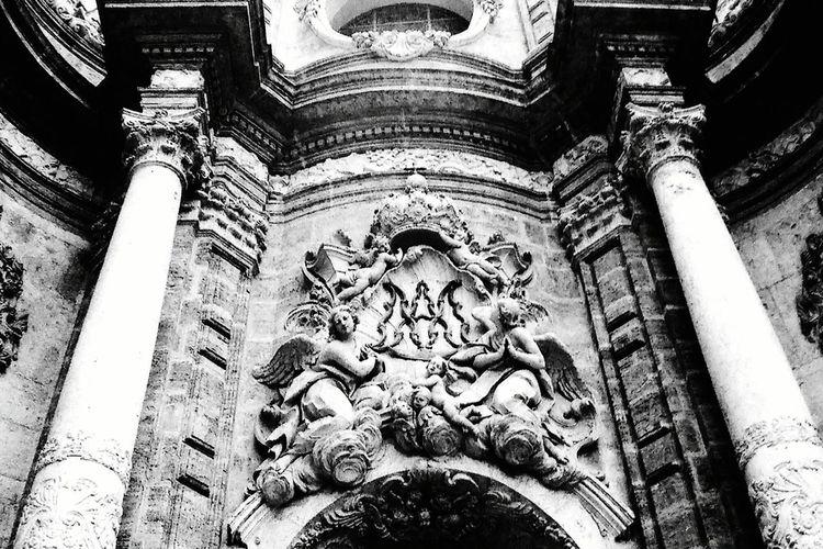 Analog Camera Film Photography Valencia, Spain Blaxkandwhite 400iso IlfordHP5plus Rollei35 Analogue Photography Architecture Architecture_bw Details Architecture_collection Architecture Streetphotography Taking Photos
