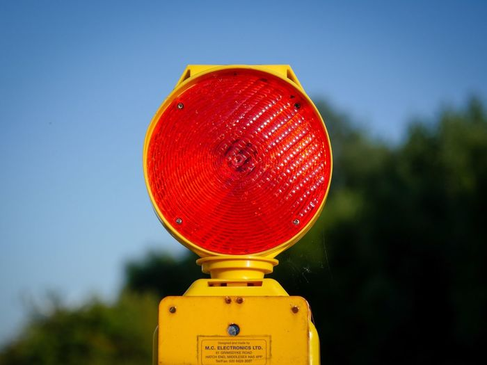 Stop Light Level Crossing Stopsign Halt Do Not Enter Railway Track Railroad Railroad Track Railroadcrossing Railroad Tracks Railways_of_our_world Warning Sign Check This Out Taking Photos Taking Pictures