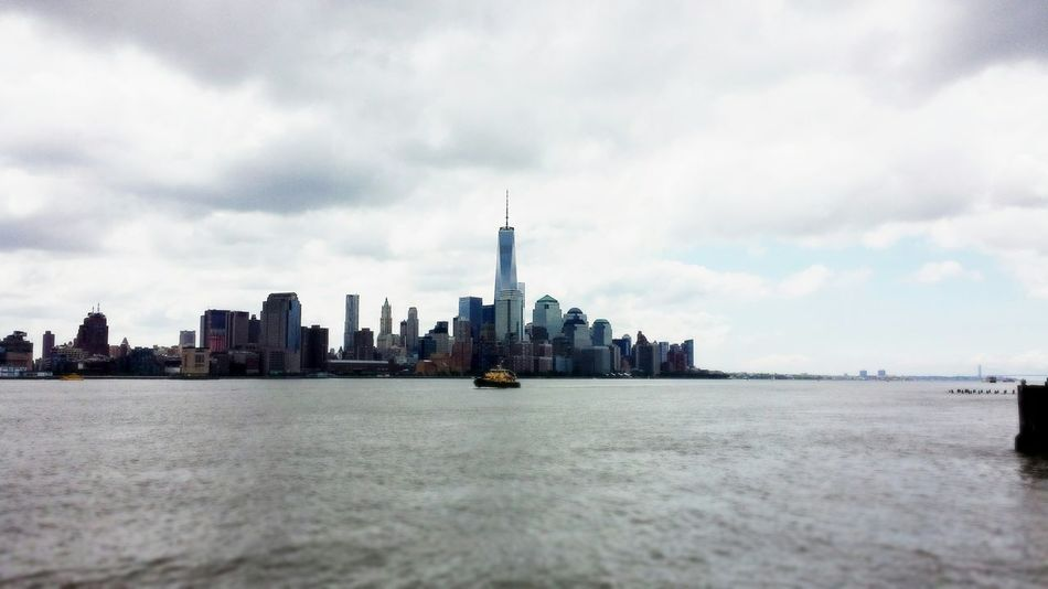 Taking Photos One World Trade Center NYC Skyline Merica