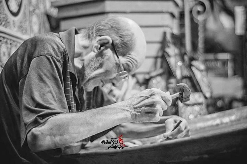 Smile and you are working Worker When He Working Hard :) Indoors  Manual Worker Manufacturing Equipment Steel Worker The Portraitist - 2017 EyeEm Awards Work Tool Working Workshop