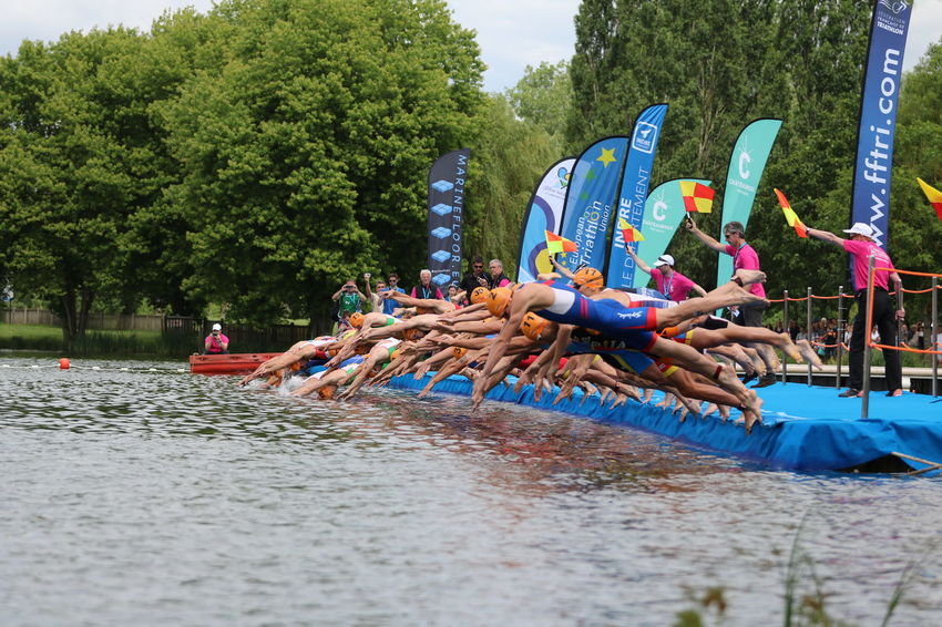 Chateauroux Day Diving ETU Sprint Flags France Lake Large Group Of People Outdoors Swim Start Tree Triathletes TRIATHLON Water