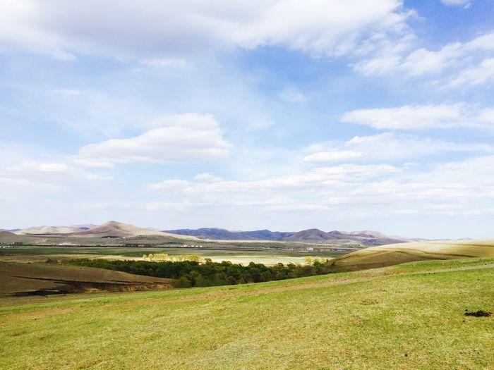 坝上草原的早春,美丽的季节和美景。