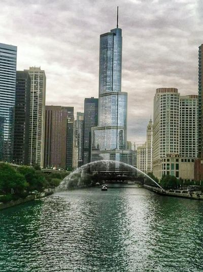 Urban Beauty Chicago Chicago Skyline Chicago Riverwalk