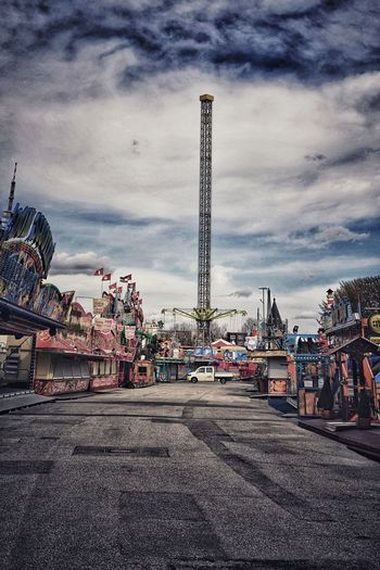 Hamburger Dom Sadness Bankruptcy Better Times Out Of Business Closed Shop Rezession Tristesse Lonlyness Dramatic Vintage Empty Places Built Structure Architecture Cloud - Sky Sky Building Exterior Nature City Amusement Park Amusement Park Ride Outdoors Arts Culture And Entertainment Day Street Transportation No People Road Building Car Travel Destinations The Street Photographer - 2018 EyeEm Awards