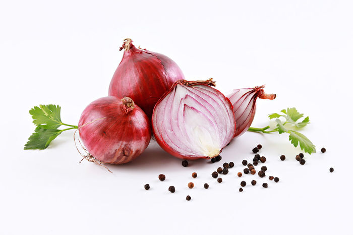 Red onion with black pepper Cooking Freshness Ingredients Black Peppercorn Close-up Food Food And Drink Freshness Healthy Eating Ingredient Onion Parsley Red Red Onion Slices Spice Spices Studio Shot White Background
