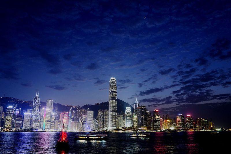 after sunset HongKong Discoverhongkong Leica Leicaq Hello World Taking Photos Sunset Magic Hour Cityscapes EyeEmBestPics EyeEmbestshots EyeEmBestEdits EyeEm Gallery The Architect - 2016 EyeEm Awards Pmg_hok
