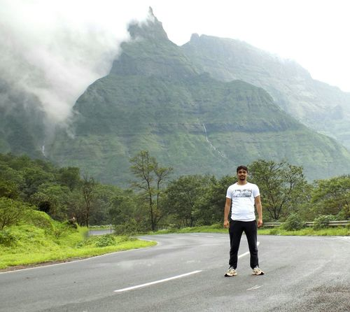 Nature Rainyseason EyeEm Nature Lover Full Length Mountain Standing Road Men Casual Clothing Empty Road