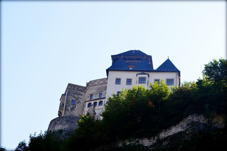 castle in slovakia EyeEmNewHere EyeEm Best Shots EyeEm Gallery Eyeem Photography Tree City Sky Architecture Building Exterior Built Structure Castle Historic Fort Old Ruin The Past Fortress History Civilization Fortified Wall The Architect - 2018 EyeEm Awards