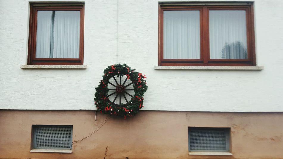 Showcase: January Windows Christmas Decorations Circle Pattern Pieces
