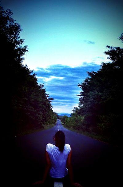Hello World Mountians Alone Relaxing Landscape Road Sungoesdown Gettingdark Fullofenergy Harmony