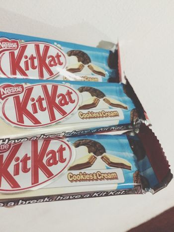 Gonna have a dentalgia after eating these haha Kitkat Cookiesandcream Babe