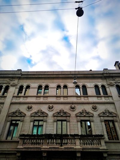Via Santa Maria Fulcorina, Milano, Dicembre 2018 Low Angle View Hdr_Collection Urban City Sky And Clouds Architecture Building Exterior Built Structure