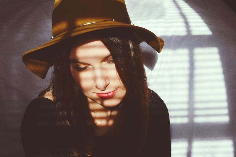 Profile Calm Flower Innocent Sweet Love Sunlight Open Window Bedroom Portrait Of A Woman Shadows & Lights Woman Close-up Dark Hair Minimalism Hat Fashion Fashion Photography Beautiful Bed Portrait Simple Autumn Mood The Portraitist - 2019 EyeEm Awards