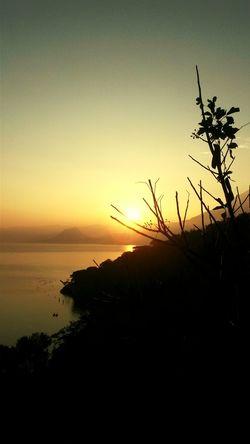 Hermoso amanecer en el Lado Atitlán. First Eyeem Photo