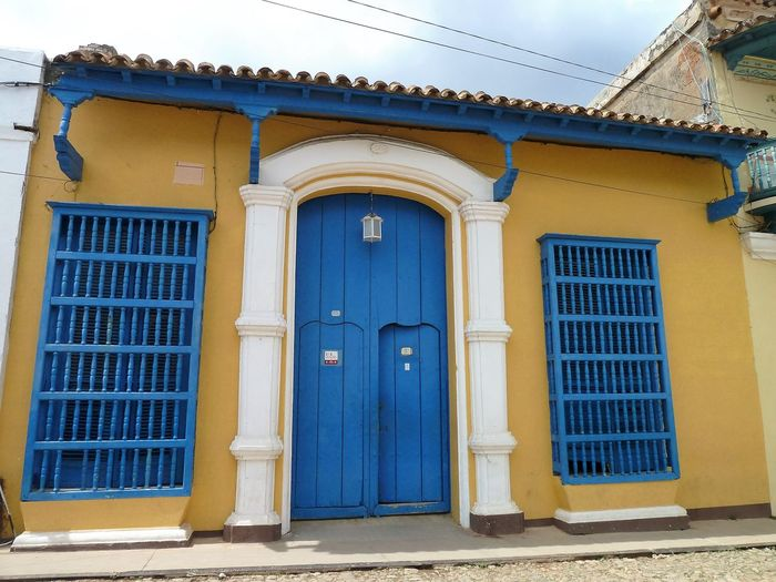 Doors: Cuba Architecture Blue Building Exterior Built Structure Day Door No People Outdoors Sky Window Yellow