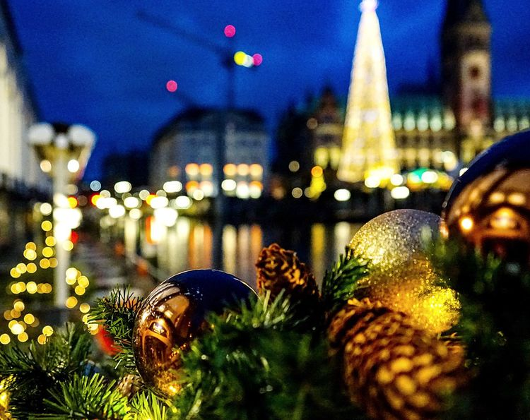 Illuminated Night Christmas Lights Christmas Tree Christmas Decoration Celebration Christmas Architecture Travel Destinations City Building Exterior No People Alster Hamburg Townhall Hamburg Canals And Waterways Christmas Ornament Tree Outdoors Sky Close-up Skyscraper