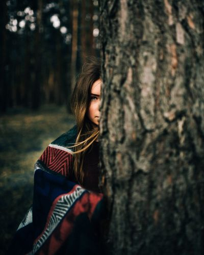- Antonia - Showing Imperfection People Nature Portrait Portraits Natural Light Portrait Bokeh Woman Young Women Beautiful Tree Scarf Blanket Girl Portrait Of A Woman Portrait Of A Friend Half Face Faces Of Summer Check This Out Taking Photos The Portraitist - 2016 EyeEm Awards