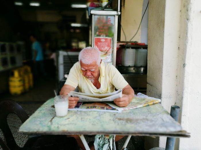 Intent reading HuaweiP9 Old Geezer Kimberley Street Georgetown Penang Malaysia
