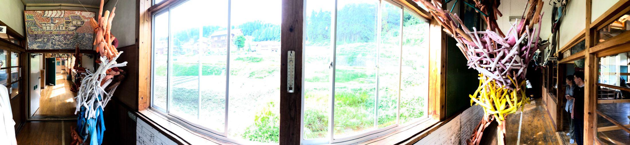 よく走り回った。 Corridor Wooden Floor Window Day Architecture Glass - Material No People Indoors  Nature Sunlight