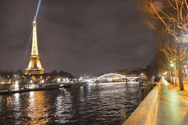 #toureiffel #itsyourparis #itsyourcity #voyagesdetective #laseine Bateau Mouche Illuminated Architecture Sky Built Structure La Seine By Night La Seine Bateau Mouche ParisByNight Parismonamour LoveParis Nightphotography Night Pont Eiffel Tower Tour Eiffel