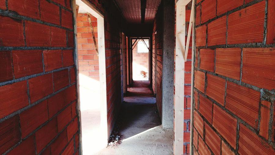EyeEm Selects Indoors  Architecture Day Built Structure No People Obras Casa En Construcción Ladrillos Blocks Rojo Pared