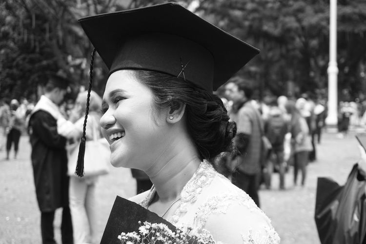 Natural Beauty Indonesia_photography Bnwphotography Bnw Bnw_life Blackandwhite Sony A6000 Monochrome EyeEm Best Shots EyeEmNewHere EyeEmBestPics EyeEm Best Shots - Black + White Gsl_ Young Women Portrait Beautiful Woman Headshot Happiness Women Arts Culture And Entertainment Incidental People Close-up Graduation Gown Graduation This Is Natural Beauty A New Perspective On Life Human Connection Moments Of Happiness It's About The Journey My Best Photo