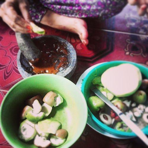 Rujak mangga n jambu Fruit Fruits Exoticfruit Rujak mixfruit manggo mangga jambu picoftheday indonesiaonly instagramers