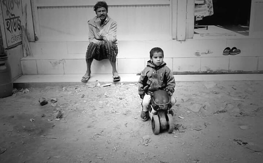 Modern Father Mobile Photography Bangladesh Street Photography Black And White
