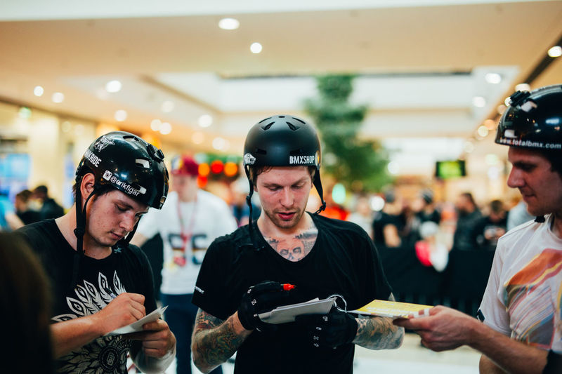 Bmx session in shoping center Crowd Lifestyles Mtblife Bmxstyle Bmx Cycling MTB MTB Biking Bmx Is My Life Bmxlife Bmx  Bmxporn Bmxphotography Real People Bmxforlife City Large Group Of People Brickproduct Kielce KIELCE CITY Fotografia Extreme Sports Sports Photography Sports Sport Photography
