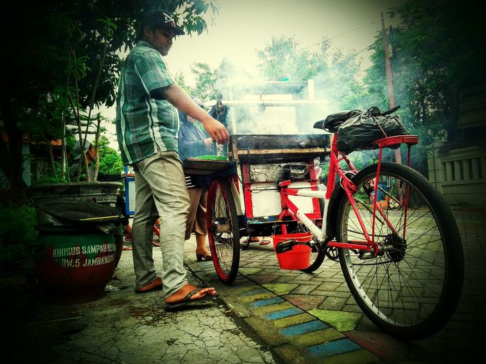 Satay Showcase: February Traditional Culture Indonesian Street (Mobile) Photographie Traditional Food