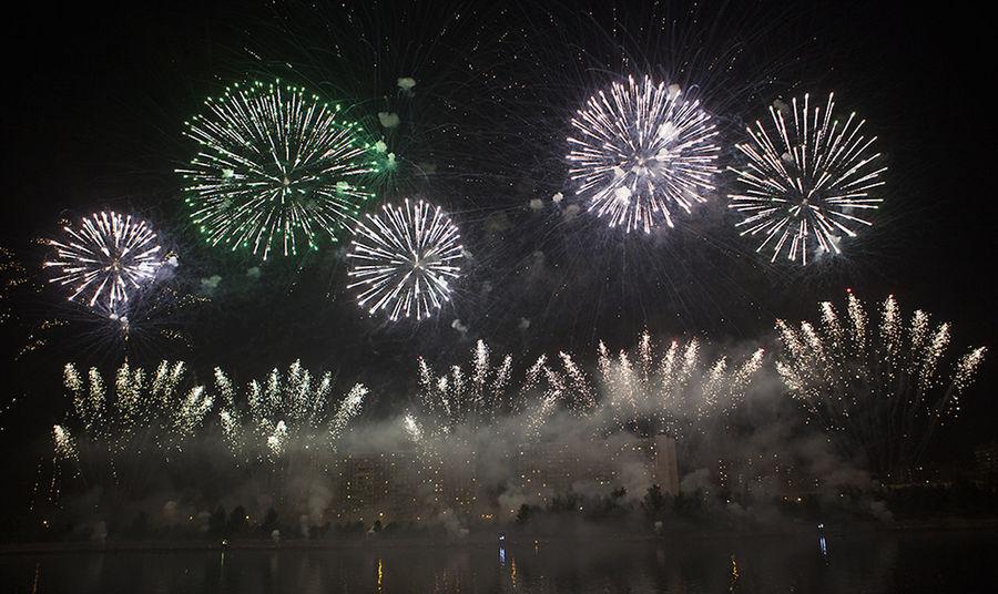 Beautiful Moscow Celebration Event Firework Firework Display Fireworks On River Night красивая москва салют фейерверк фестиваль фестиваль фейерверков