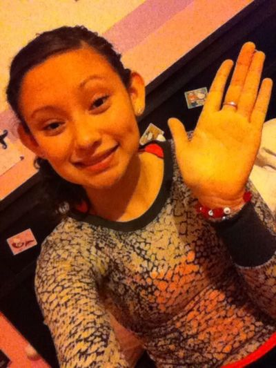 Hii there c: let me follow you&ill follow you back ^.<3