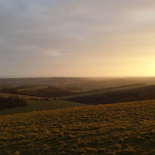 Walking into the sunset 👌👌Southdownsway Training Sdw100 Sunset