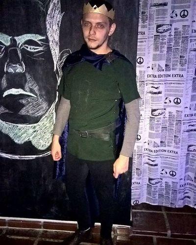 Príncipe João no Halloween . Robinhood Princejohn Fantasia Halloweencostume CostumeParty