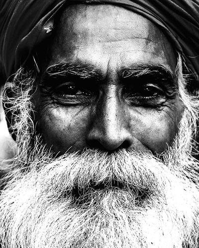 Streetsofindia Potrait Photography India_gram Ghatsofganges Saints Potraitbyrudrashiv
