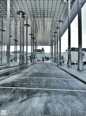 Hall Of Wait artist:DAX PHOTOGRAPHOHOLIC | born to capture | ArtistDAX PHOTOGRAPHOHOLIC Architecture Kassel Urban Outdoor Blackandwhite Bhfwilhelmshöhe Smartshots Streetphotography