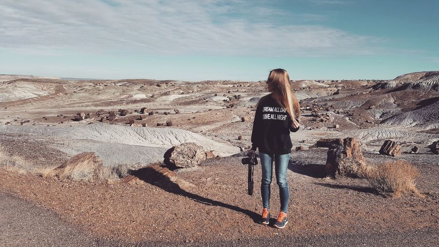 One Woman Only One Person Desert Journey Sky Outdoors The Way Forward Adventure Beauty Petrified Forest National Park Arizona Day Nature Hiking Scenics Beauty In Nature Backgrounds Desert Vibes