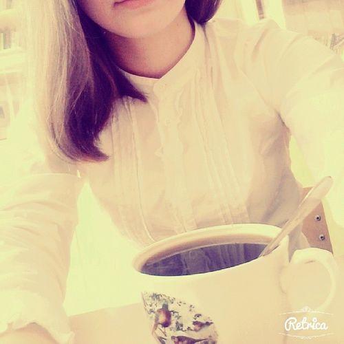 пить кофе на уроке это как то по мне