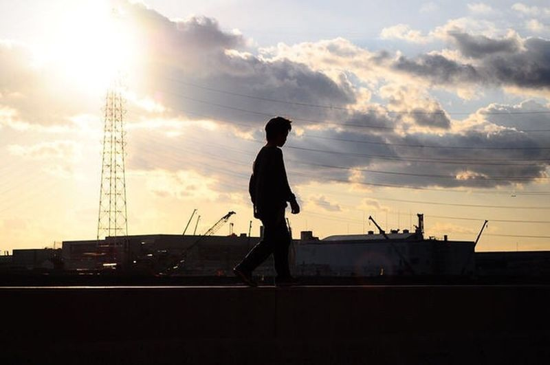 Landscape_photography Landscape 大和川 ByTheRiver Walking 大阪 OSAKA Evening Sky Evening Walking Around Scenics Snapshot Snap 세계 Kid Silhouette One Person Sky Standing Cloud - Sky Sunset Built Structure Outdoors Industry Architecture Colour Your Horizn EyeEmNewHere Stories From The City Adventures In The City