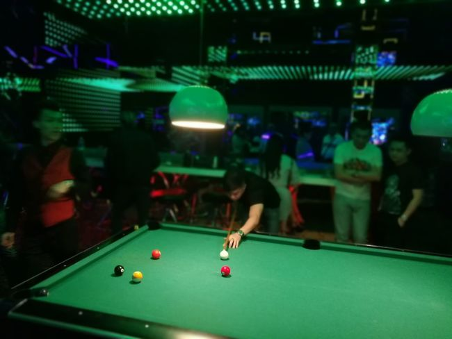Sport Pool - Cue Sport Leisure Activity Arts Culture And Entertainment Pool Ball Pool Cue Ball People Men Playing Adults Only Pool Table Adult One Man Only One Person Pub Indoors  Only Men Snooker People And Places P9 Huawei Showcase October